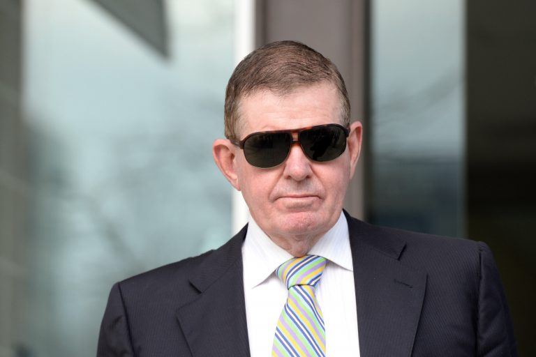 Peter Slipper forced to apologise for text message
