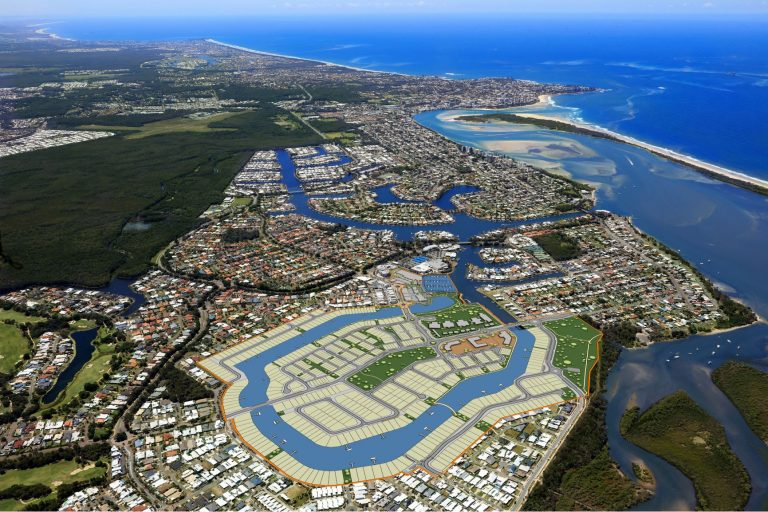 'Never seen anything like it,' Pelican Waters land rush