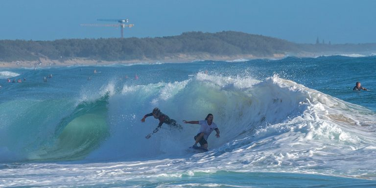 Good waves, light winds and a hot Sunday coming up