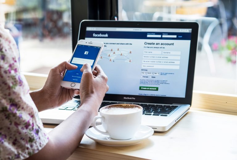 Facebook agrees to restore news sharing in Australia