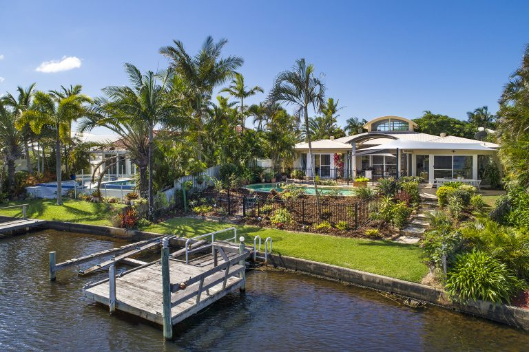 Buyer pays $3.4m for waterfront 'knockdown'