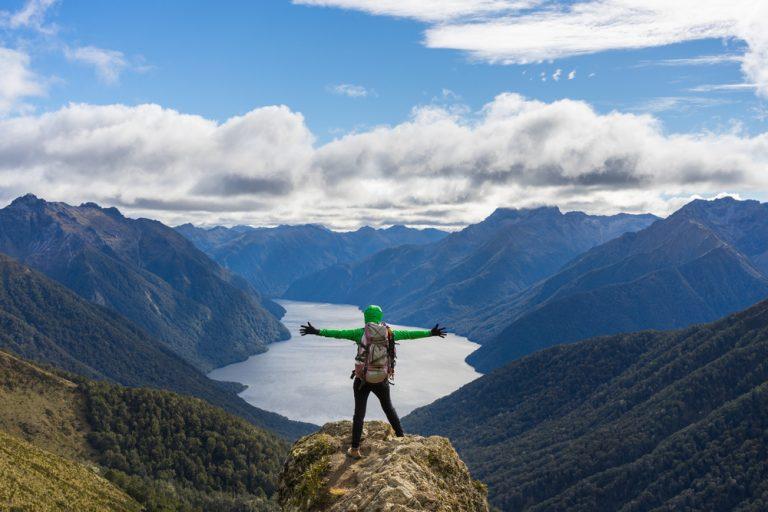 NZ's billion-dollar pitch to lure Aussie travellers