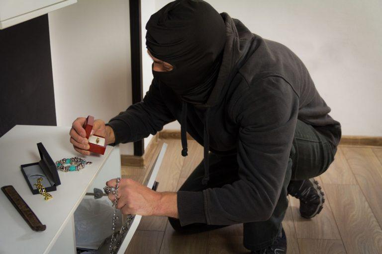 Burglar alarm: it's holidays, but crooks don't take breaks